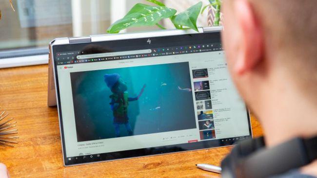بررسی بهترین لپ تاپ های سال 2020 - لپ تاپ اچ پی HP Spectre x360